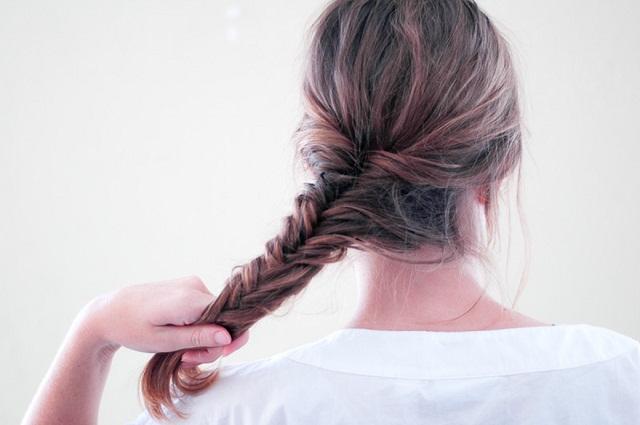 Sử dụng dây thun buộc sau khi tết xongkiểu tóc xương cáphồng